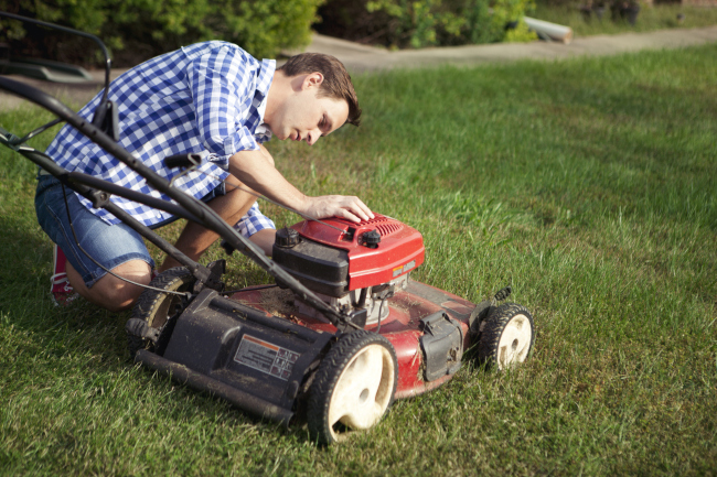 3 Tips to Keep Your Lawn Mower Purring